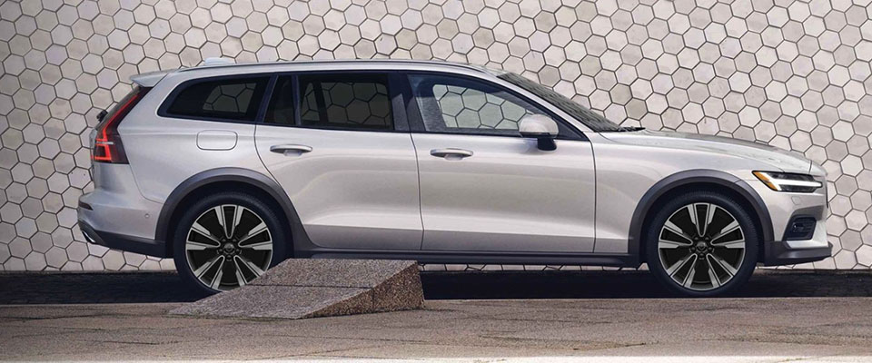 2020 Volvo V60 Cross Country Main Img